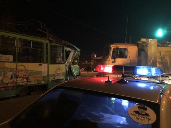 СКР занялся проверкой иркутского ДТП с грузовиком и трамваем