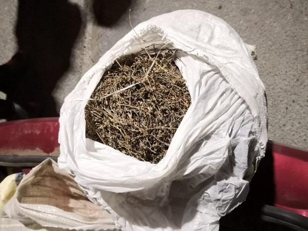 У пьяного улан-удэнца изъяли мешок марихуаны