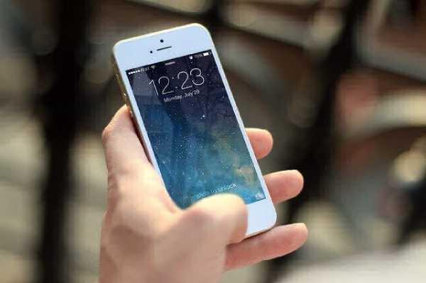 В Улан-Уде мужчина украл телефон в медучреждении