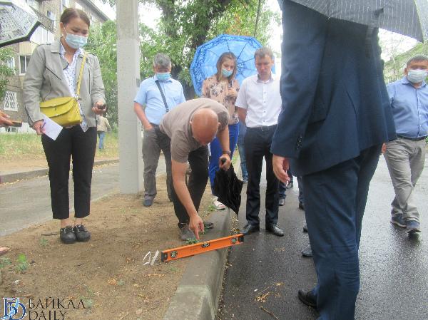 Депутаты Улан-Удэ выявили проблемы с бордюрами
