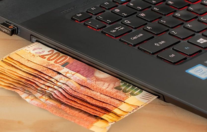 Жители Бурятии стали чаще покупать в Интернете