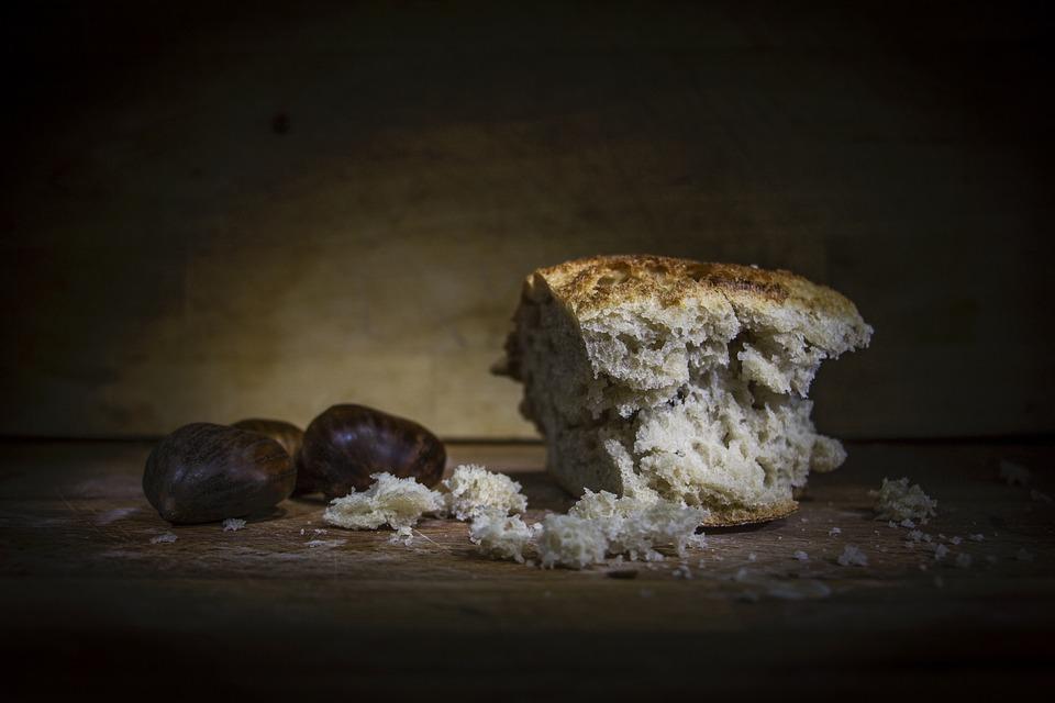 В Бурятии нарушают условия хранения кондитерских изделий и хлеба