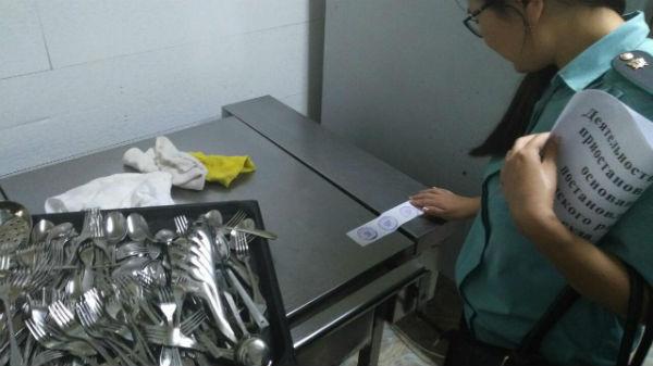 В Улан-Удэ приостановили деятельность сразу двух кафе