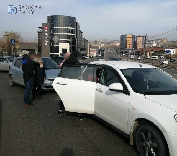 В Улан-Удэ женщины-водители устроили ДТП