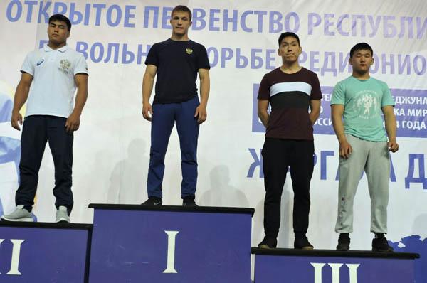Борцы Приангарья выиграли 6 медалей в Бурятии