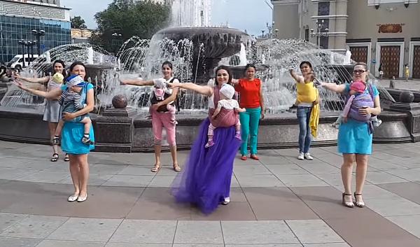 Слингомамы Бурятии сняли пародию на песню «Я мать» (видео)