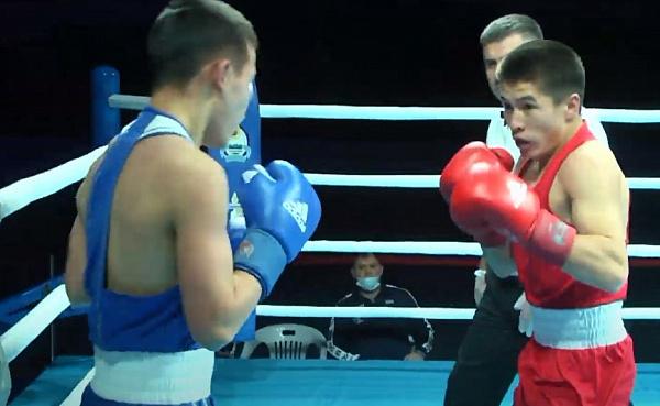 Пятеро боксёров Бурятии вышли в полуфинал чемпионата ДФО