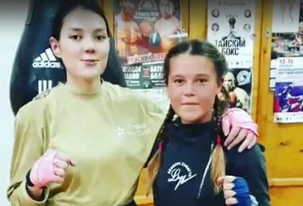 Жители Бурятии «скинулись» на поездку спортсменок на первенство мира по тайскому боксу