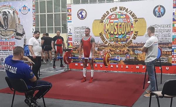 Улан-удэнец стал чемпионом мира по армлифтингу