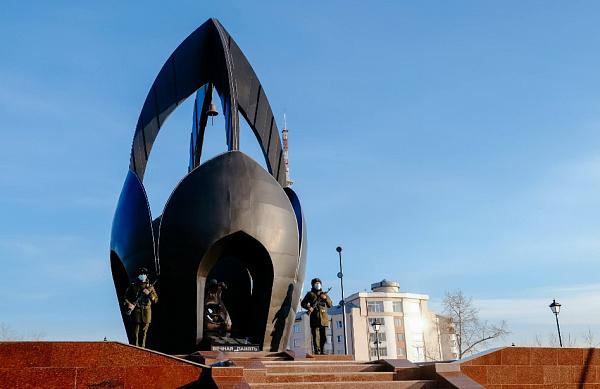 В Улан-Удэ после реконструкции открыли сквер у Чёрного тюльпана
