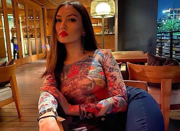 Бурятская модель Мария Шантанова приехала из США в Улан-Удэ