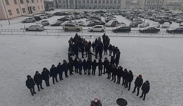 ВИДЕО: В Улан-Удэ станцевали участники контрольной по математике
